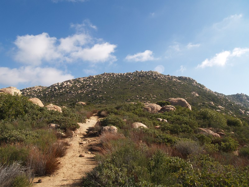 The final trail and ascent of El Cajon Mountain