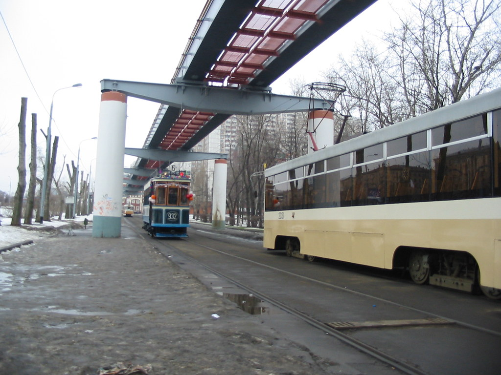 moscow tram BF 932 _20031231_033