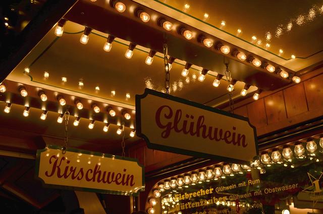 Mainz Weihnachtsmarkt drinks stall gluhwein_lightened