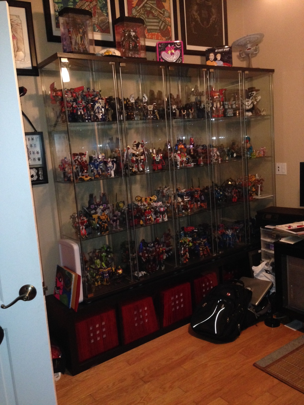 Ikea detolf display cases page 143 - Etagere 4 cases ikea ...