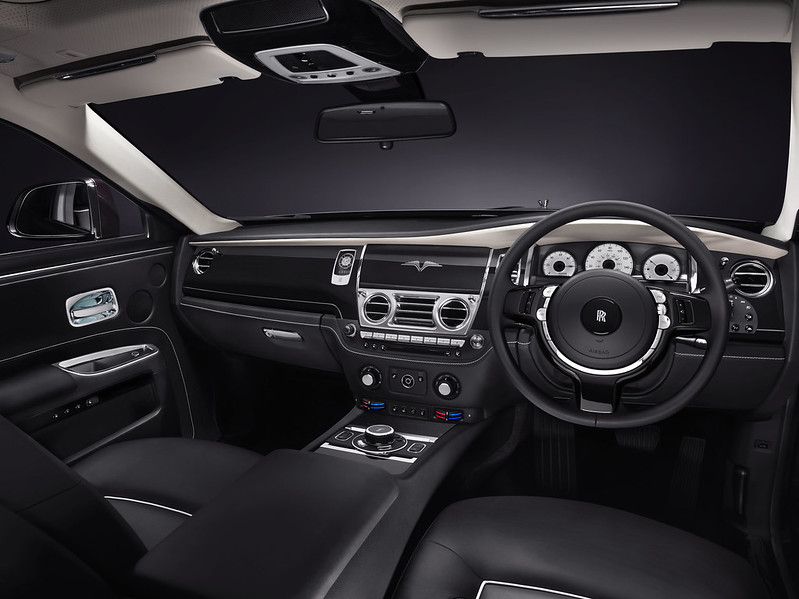 2014_rolls_royce_ghost_v_specification_front_interior