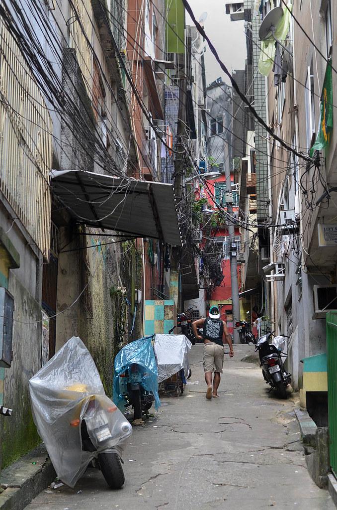 Calle peligrosa en Brasil