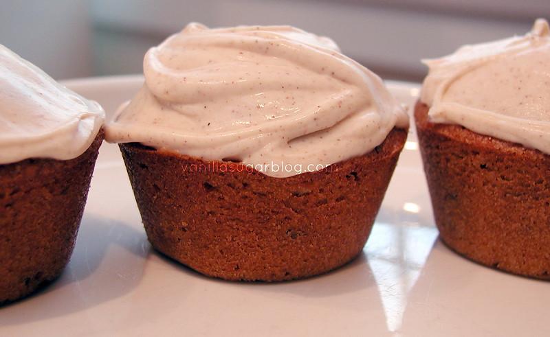 Pecan Pie Cupcakes 9 10-28-2008 10-48-02 PM 1969x1210
