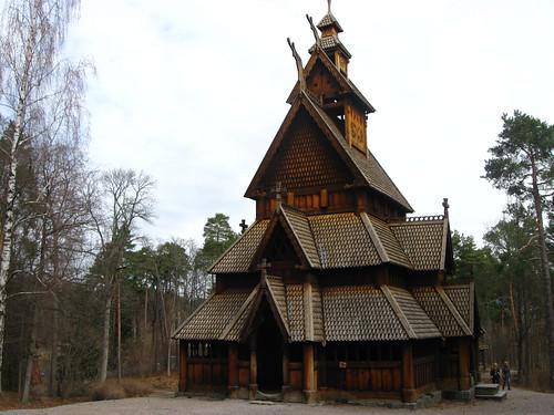 2011-04-10 - Stavkirke
