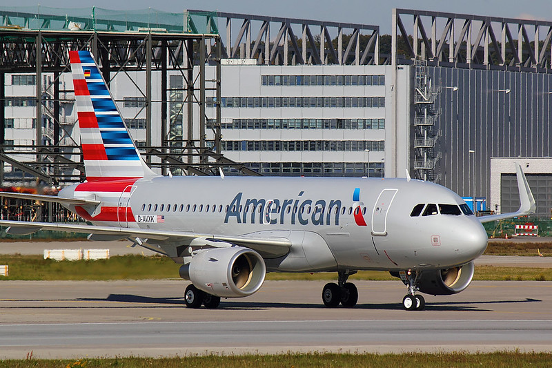 American Airlines - A319 - D-AVXK (4)