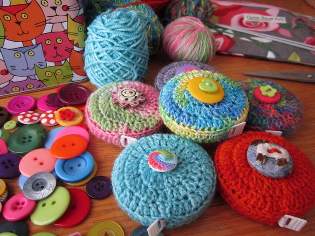crochet tape measure cases tutorial (64)