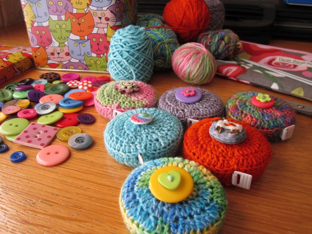 crochet tape measure cases tutorial (61)