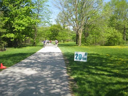 20 km sign