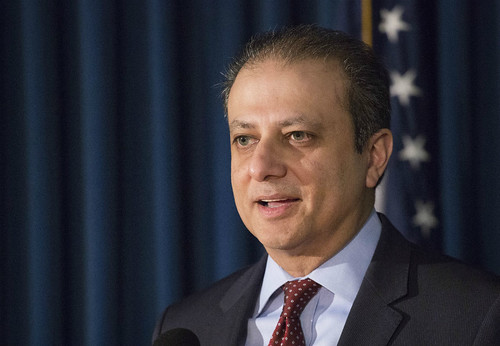 Trump corre a fiscal de Nueva York que se negó a dimitir
