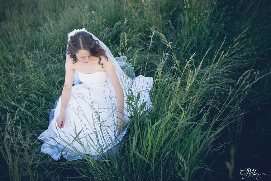 Bride_Grass