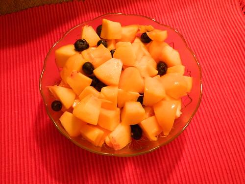 Peaches, Mango & Blueberries