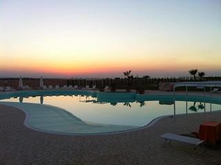 piscina_tramonto