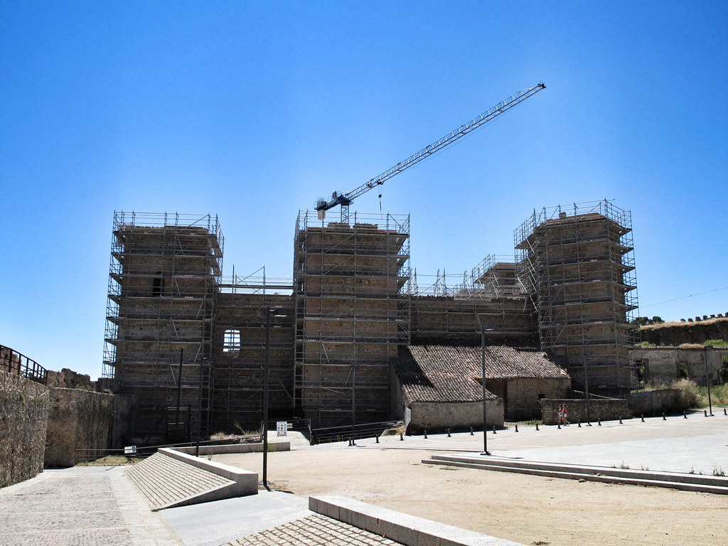 3. castillo buitrago de lozoya_muralla_paso ronda