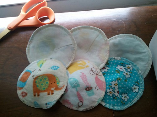 Flannel nursing pads with soft cotton lining