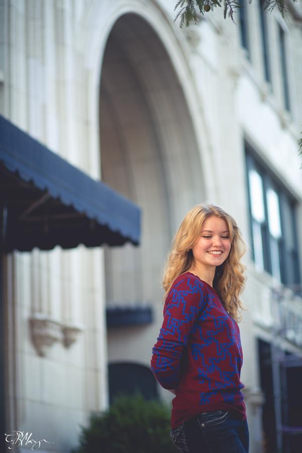 Smiling_arch_sidewalk
