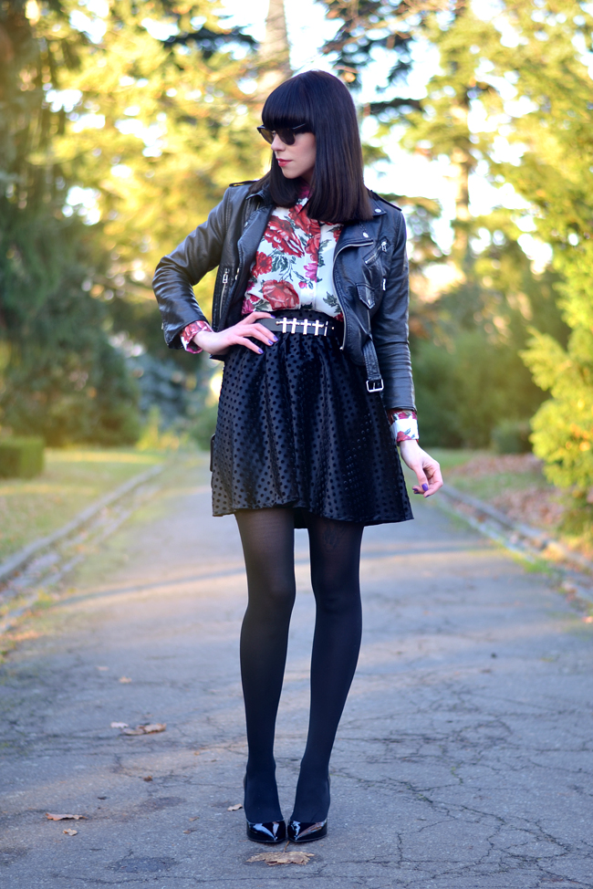 Baleeblu outfit floral blouse velvet skirt CATS & DOGS Berlin fashion blog 4