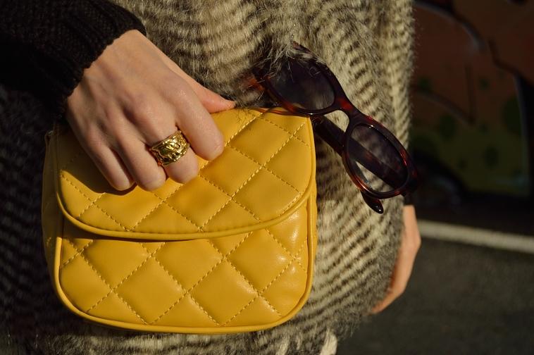 lara-vazquez-madlula-yellow-bag-golden-details