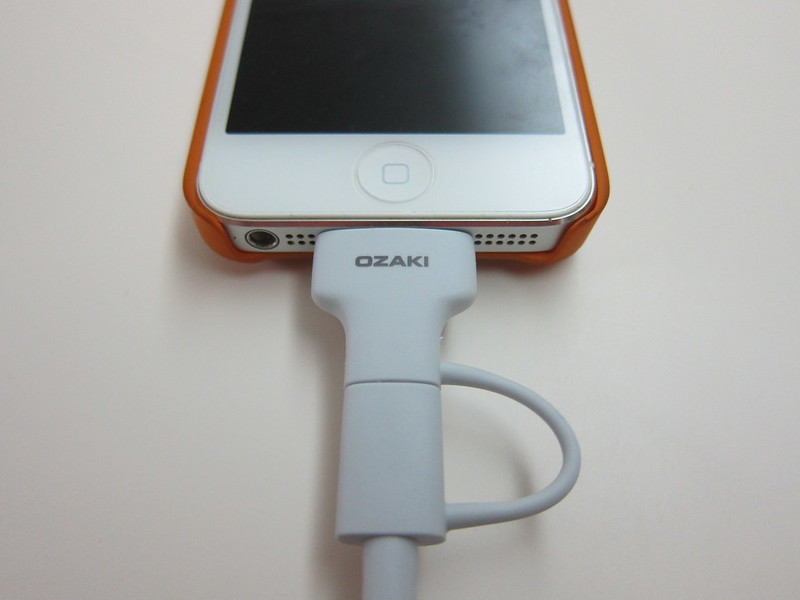Ozaki O!tool Combo Cable - Plugged Into iPhone 5