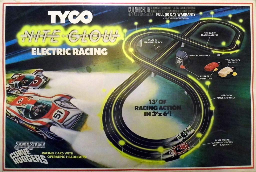 ... Vintage Tyco Nite Glow Electric Racing Slot Car Set With Silver Streak  Curve Huggers Racing Cars d523f10efcd7