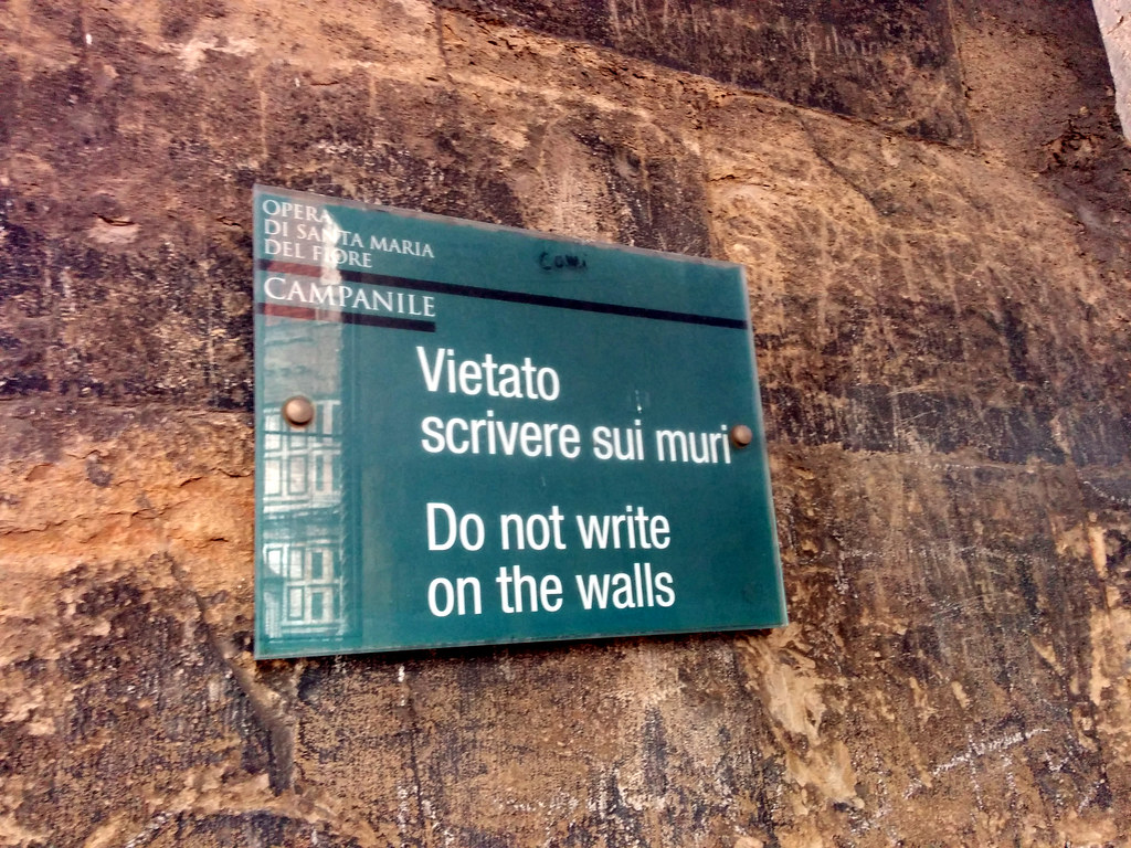 Do not write on the walls sign, Duomo, Florence, Italy