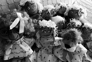 Lila,  a la izquierda .  Leoncia, a la derecha ; con 8 amigas más :)))
