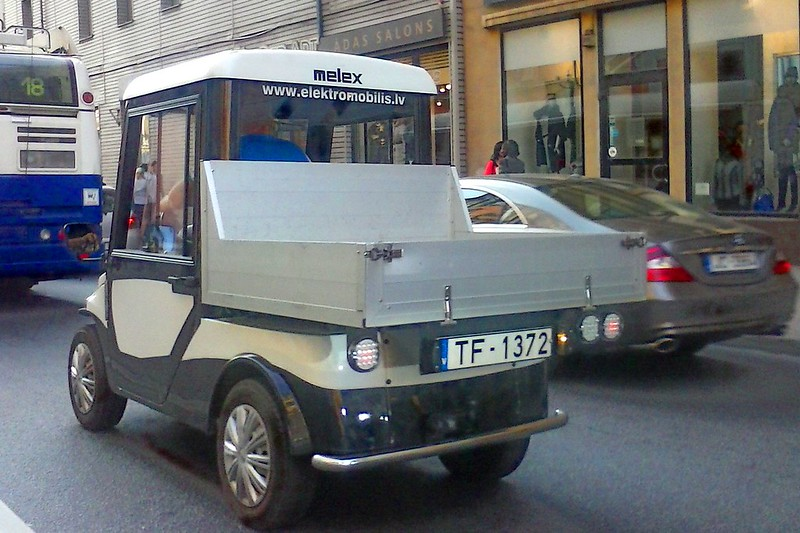 Electric mini truck on Čaka street by aigarsbruvelis