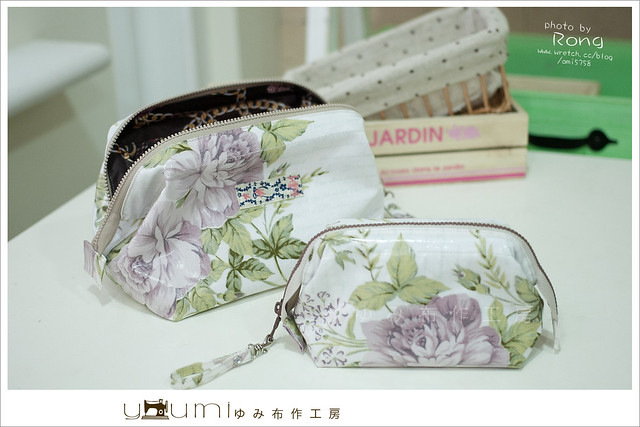 紫玫瑰防水布的大小化妝包