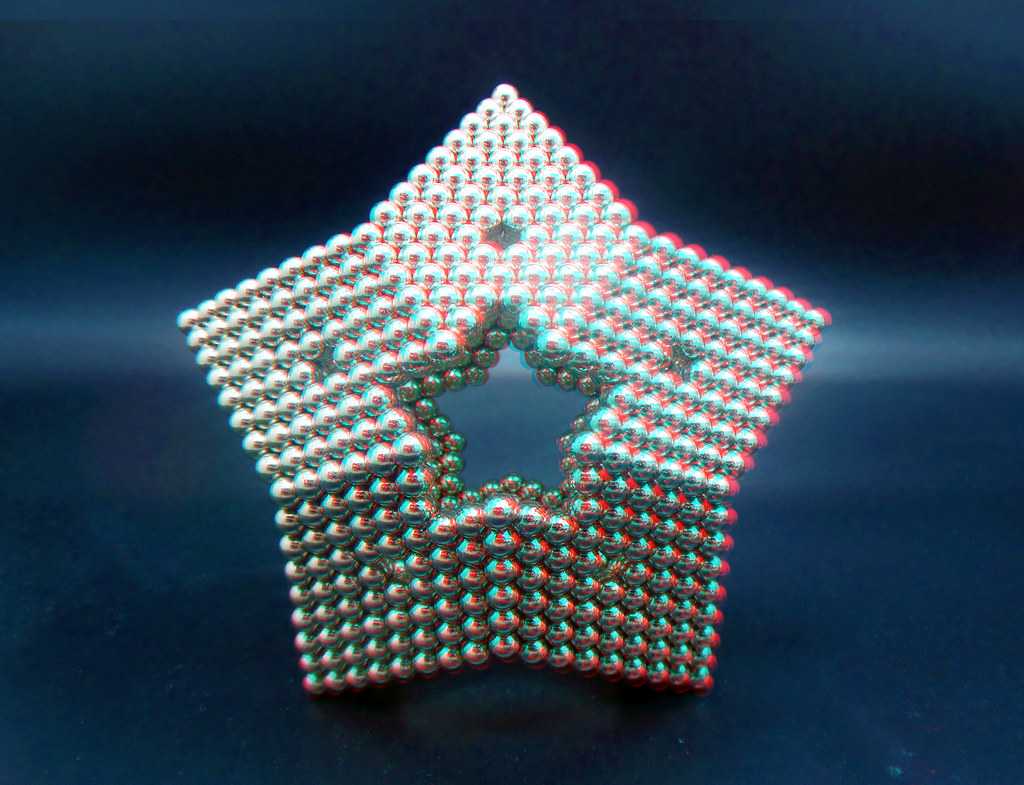Hollow-Star-in-3D