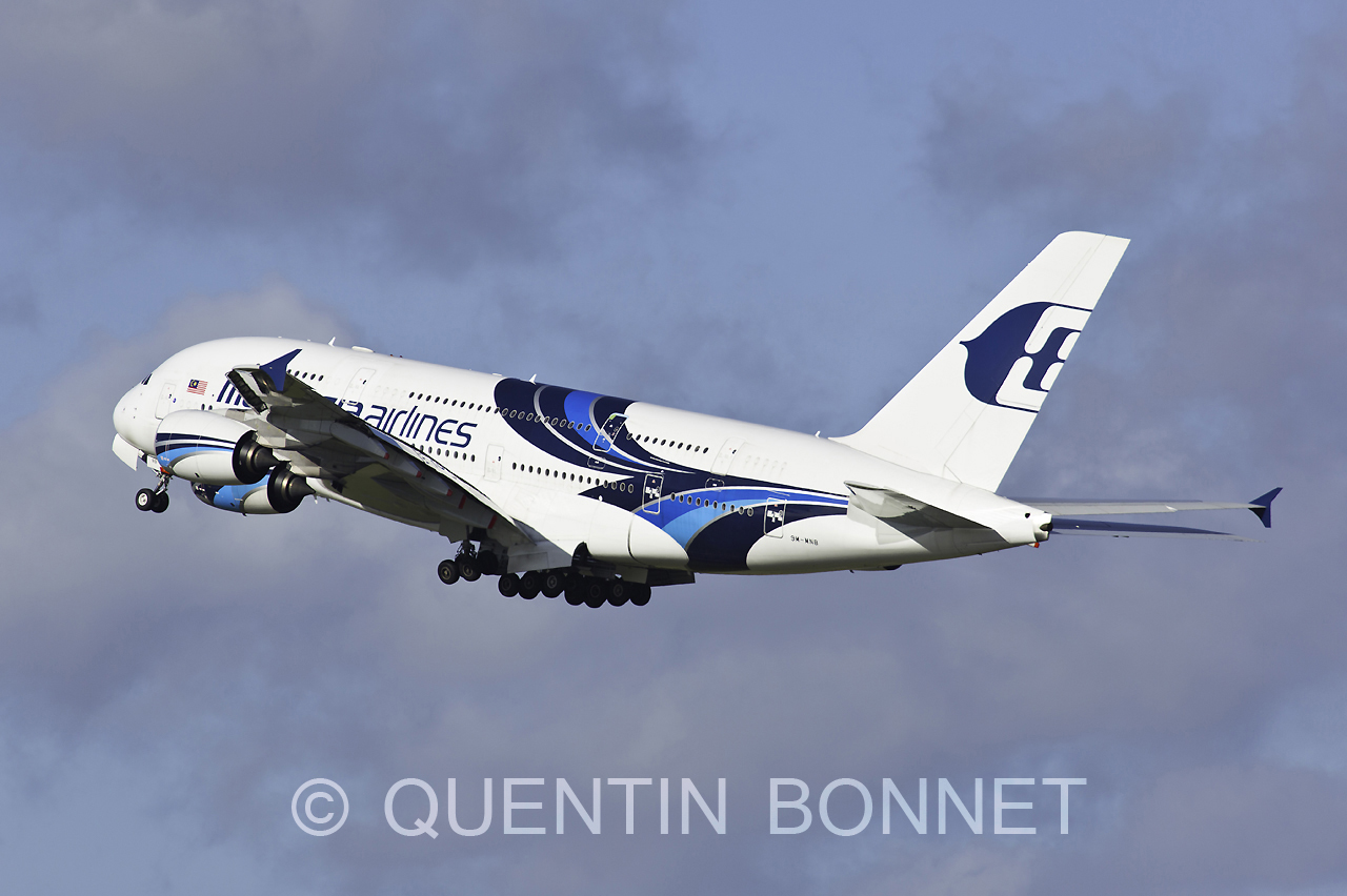 Malaysia Airlines Airbus A380-8419M-MNB