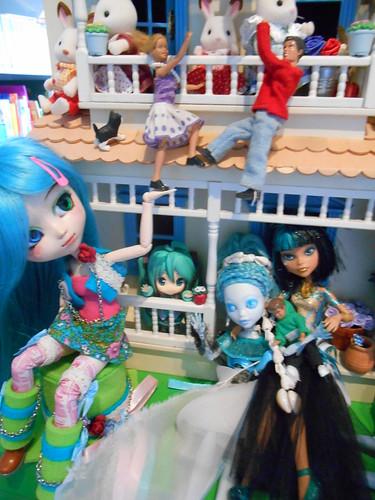 Crazy dollhouse
