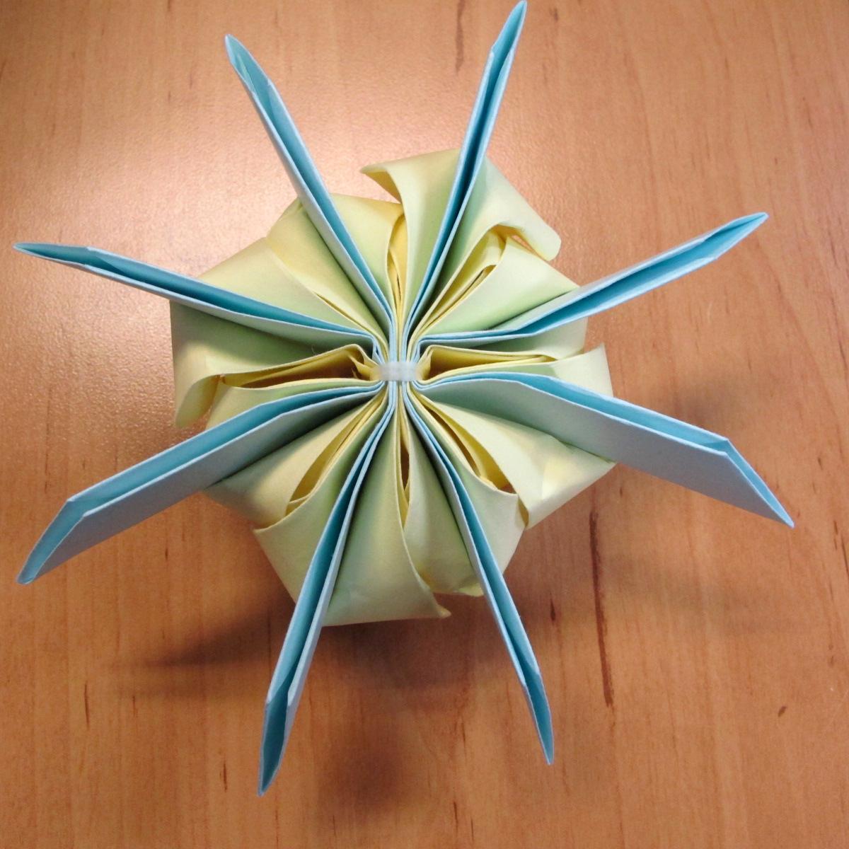 วิธีการพับกระดาษเป็นดอกบัวแบบแยกประกอบส่วน 022