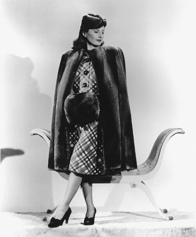 Barbara Stanwyck in The Lady Eve, style inspiration