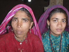 GujjarMotherAndDaughter1