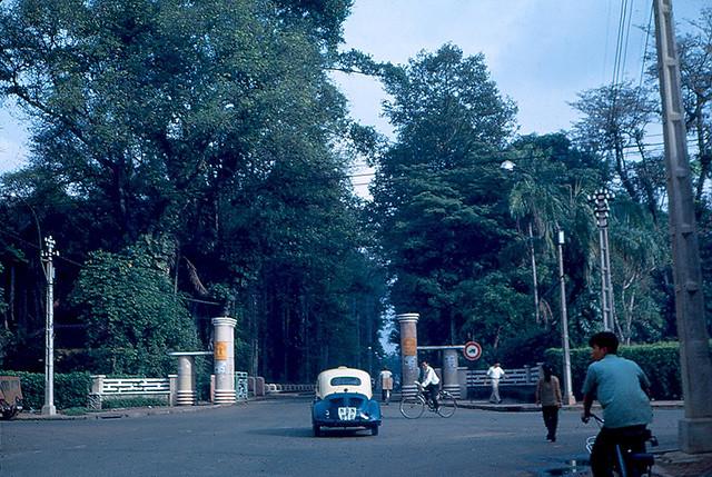 SAIGON 1967-69 - Vườn Tao Đàn, cổng phía đường Nguyễn Du