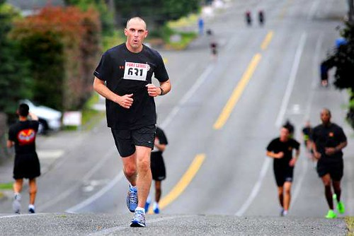 Joint injury, USARIEM researchers study Soldiers running styles