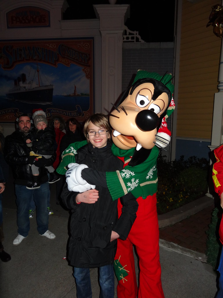 Un séjour pour la Noël à Disneyland et au Royaume d'Arendelle.... - Page 4 13700336924_601210d900_b