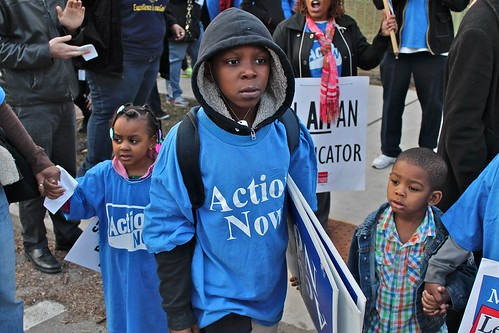 Parents, students and community allies rally in front of Chicago Board of Ed President David Vitale's house