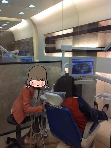 媽媽去黃經理牙醫診所看診9
