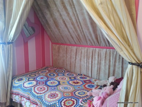 Kyla's-room-bed-from-door