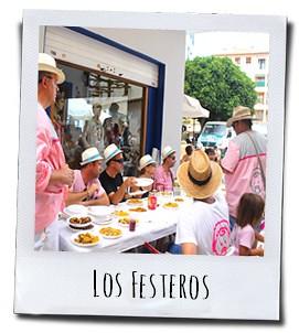 De festeros beginnen aan hun welverdiende maaltijd