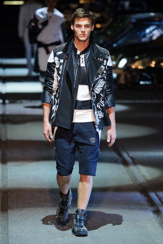 Robbie Wadge3747_SS16 Milan Philipp Plein(fashionising.com)