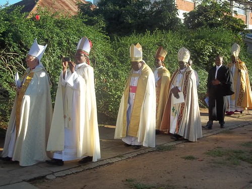 (L to R) Bishop Michael Ipgrieve(Diocese of Southwark UK), Bishop James Tengatenga(Diocese of Southern Malawi), Bishop Chad Gandiya(Diocese of Harare), Bishop Ishmael Mukuwanada (Diocese of Central Zimbabwe), Bishop Derek Kamukwamba (Diocese of Central Za