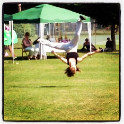 Who doesn't have a daughter who hangs upside down in the air at the park @ff_danceacademy @dizzydoe
