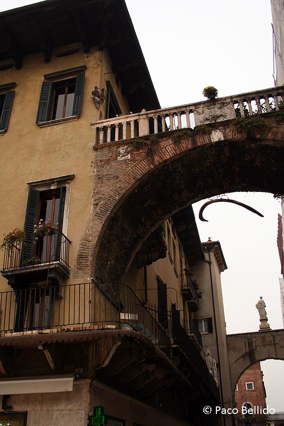Arco della Costa. © Paco Bellido, 2006