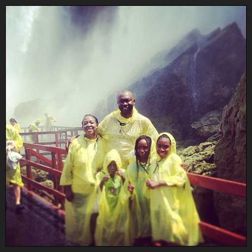 #caveofthewinds in #niagarafalls - wet wet wet but so refreshing ! #breathtaking #wondersofnature#sevenwondersoftheworld#niagarafalls US