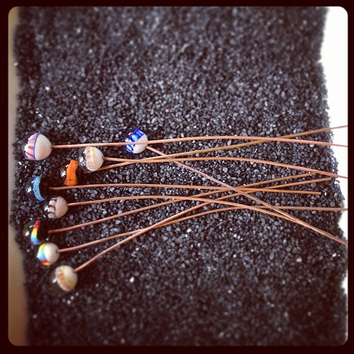 How NOT to display these glass headpins #artjewelryelements #aje #beadfest #glassaddictions