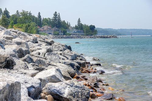 michigan petoskey bayview bayview11241 shorelines shores beaches beaches11241 bayviewbeach petoskey11241 rocks boulders mi photography miphotography robertcarterphotographycom ©robertcarter