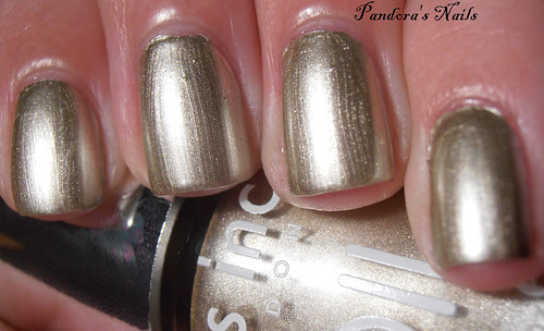 nails inc chelsea bridge road foil (1)