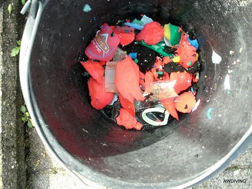 drijvend vuil uit bufferkelder