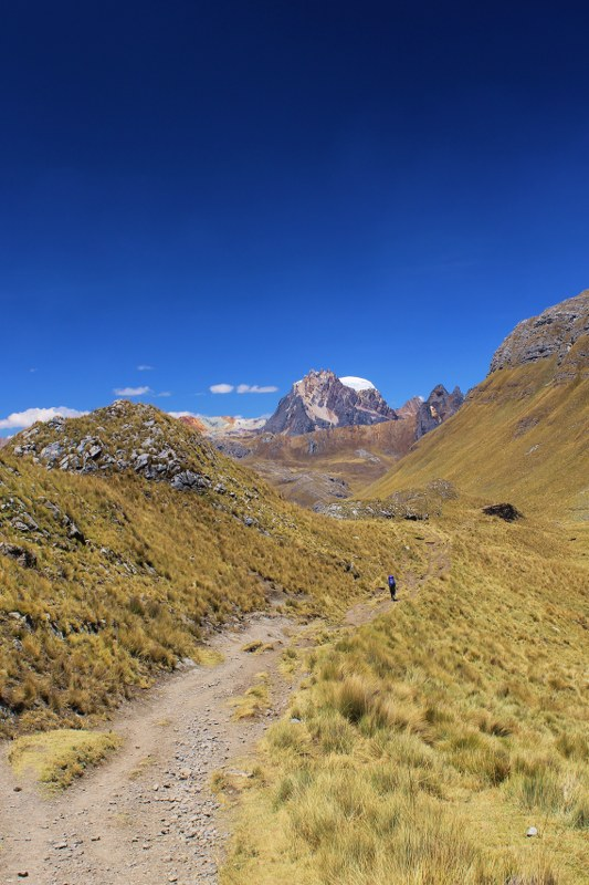The descent to Viconga